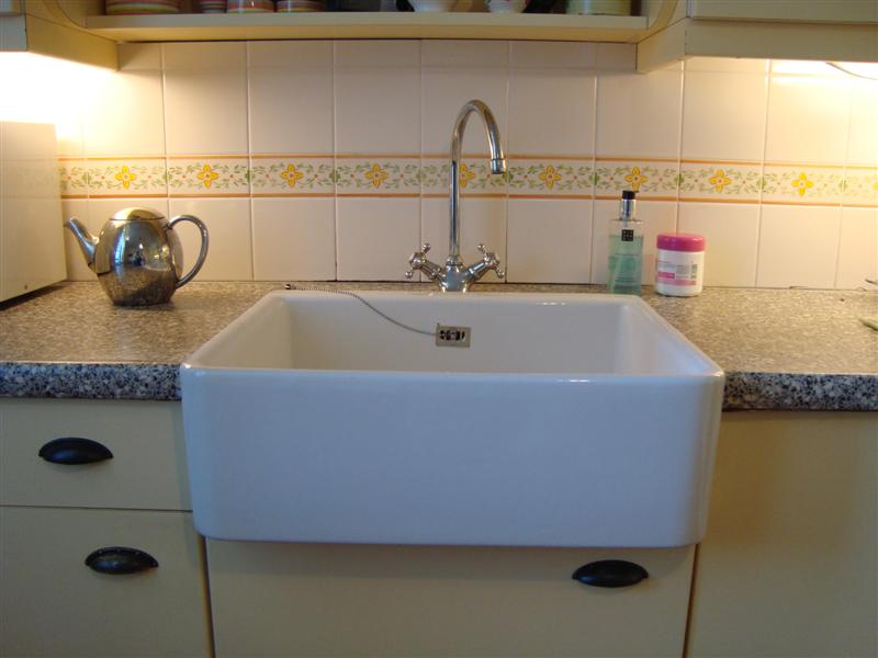 Witte Wasbak Keuken : Spoelbak Keuken Wit : Home Keukens Keukenkasten ...